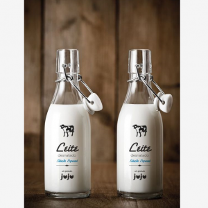 Flip top glass milk water bottle with printings round and square