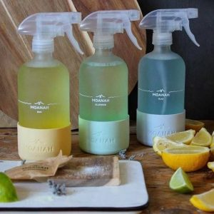 16oz cleaning glass bottle with spray and silicone sleeve